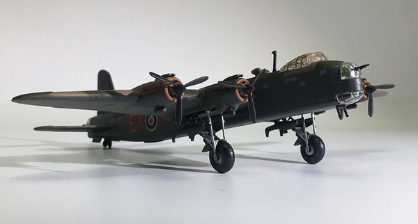 IXO World War II Military Alloy Sterling MK III Bomber Model 1:144 Plastic Decoration Toy Gift Collection Free Shipping