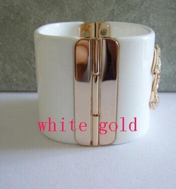 luz blanca dorada