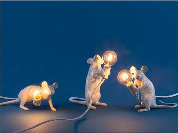 Designer Cool Mouse Bedside Table Resin Lamp Sitting White Light Lovely Desk Lamp For Bedroom Bedside Lamp New B022