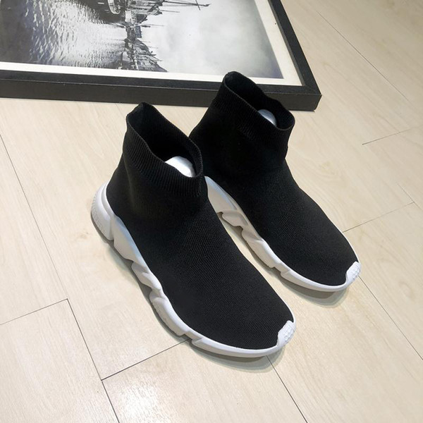 New Mens Designer Shoes Paris Famous designer sneakers with white texture sole Top Quality designer Sock Shoes for women size 35-45
