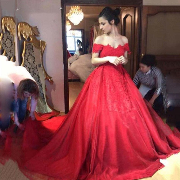 Gorgeous Red Ball Gown Lace Evening Dresses 2019 Off Shoulder Short Sleeve Prom Party Gowns Plus Size With Appliques