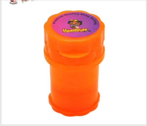 Plastic smoke grinder, 4 layer manual smoke grinder, cigarette cutter, plastic bottle.