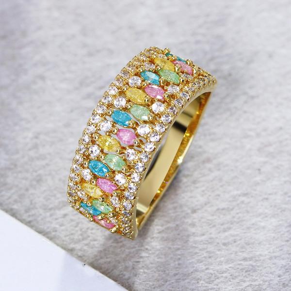 Mais quente Anel Banda Cor para o Partido Primavera Verão Design Multi Cores Glitter Cubic Zirconia Pedras Padrão Único Anel de Ouro-cor