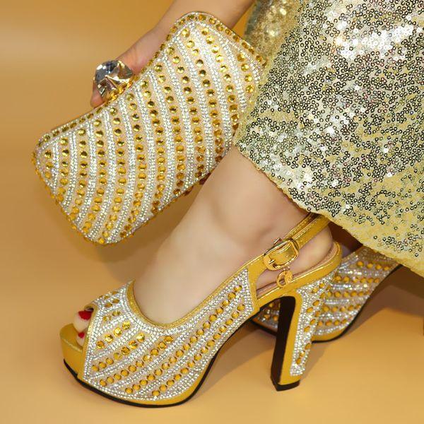 17041703 späteste italienische Schuhe und Beutel des Entwurfs stellten ein, um Qualitätsart- und weiseart-Frauenschuhe zusammenzubringen!