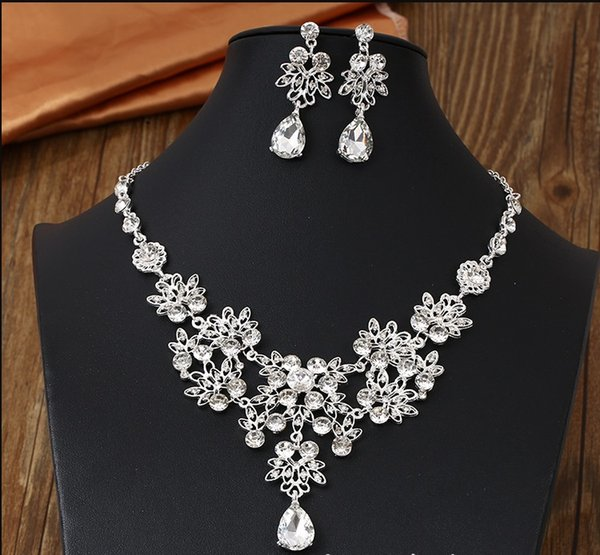80dc54b2e6 2019 Bridal Austrian Crystal Necklace And Earrings Jewelry Set Gifts Fit  With Wedding Dress From Aihua2625, $6.84 | DHgate.Com