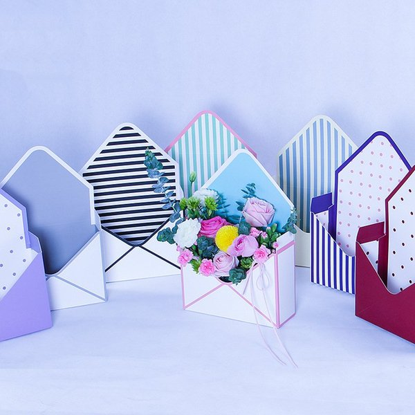 10PCS Envelope Flower Gift Boxes Hand Holds Folding Floral Bouquet Paper Box Packaging Flower Basket Florist Supplies Free shipping