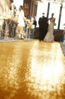 ShinyBeauty 4FTX15FT-Wedding Aisle Runner-Gold,Glitter Carpert Runner,Sequin Aisles Floor Runner,Wedding Ceremony Decor, Sparkly Fabric