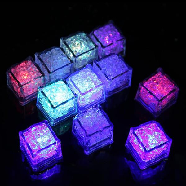 RGB flash LED luzes cubo cubos de gelo luzes piscam Líquido sensor de água submersível LED Bar Light Up para o partido de casamento Clube Champagne Torre