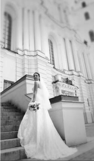 Pieno pizzo A-Line senza spalline Abito da sposa 2017 Increspato Aperto Indietro Corte dei treni Abiti da sposa perline Sash Abiti WG3805