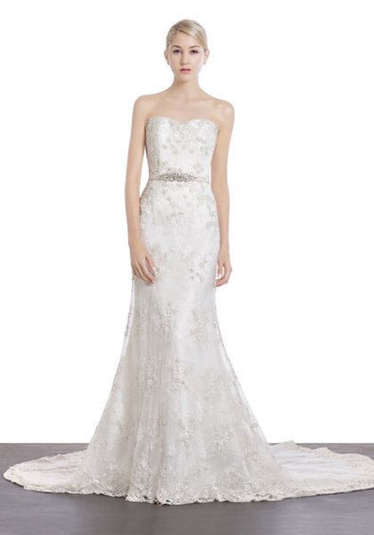 2019High-end customization handmadeSweetheart Neckline Mermaid Wedding Dress in Lace
