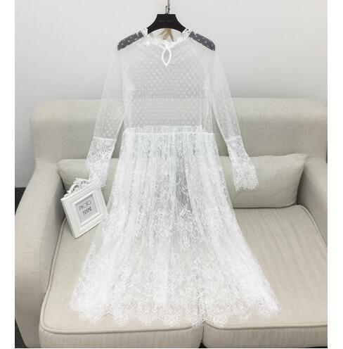 Versión coreana de The New Spring Long Ride dentro del vestido de encaje con perspectiva de manga larga