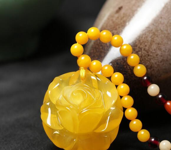 Chicken oil yellow blood amber old beeswax rose peony flower pendant long sweater chain necklace male and female models