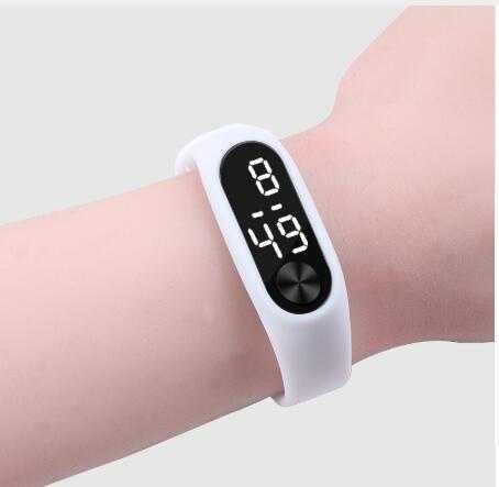Moda Hombres Mujeres Deportes Casual Pulsera Relojes LED blanco Electronic Digital Candy Color Silicona Reloj de pulsera para niños Niños