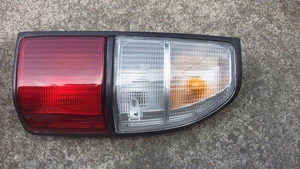 best selling Tail lamp lantern withour bulb wires for toyota land Cruiser Pardo 90 VZJ95 RZJ95 KZJ90 KJ95 1996-2003 3400 2700 LH OR RH 81560-60560