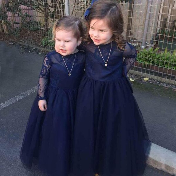 Vintage Flower Girls Dresses Dark Navy Blue Lace Tulle Long Sleeves Kids Formal Gowns Sheer Neck Open Back Oversize Bow Custom Colors Flower Girl