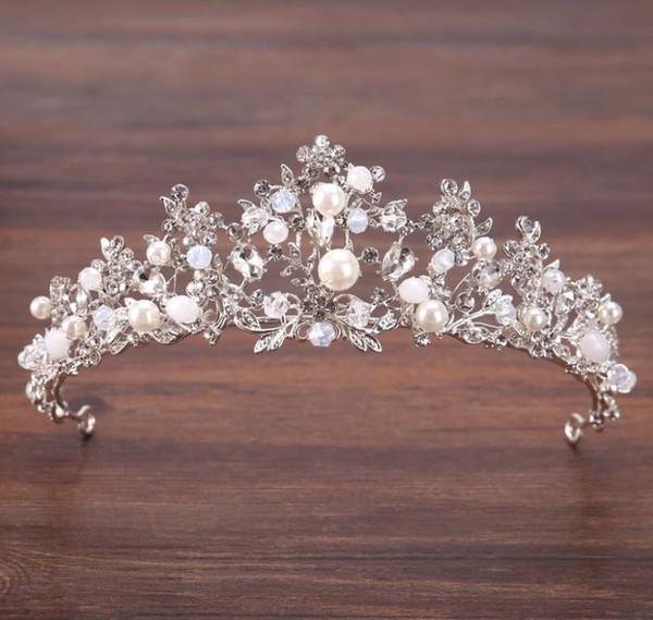 Crown bridal headwear, silver crystal beads, crown ornaments, bridal crown wedding accessories.