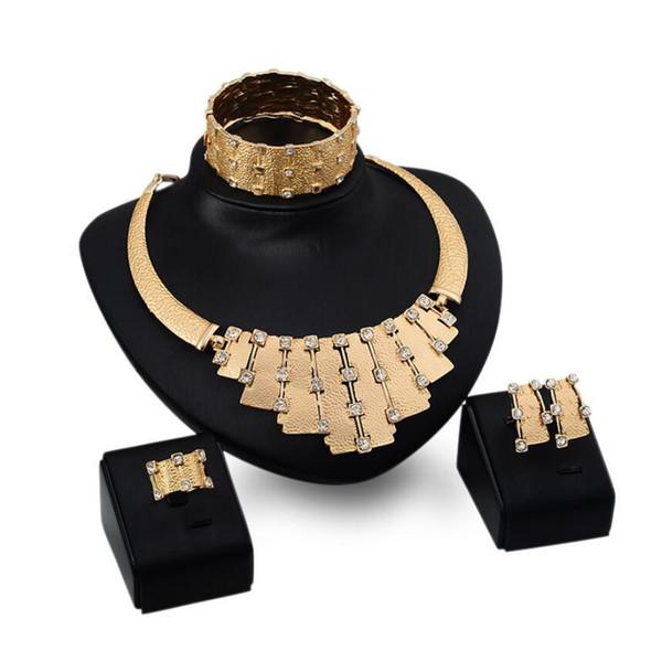 bijoux de designer bijoux de mariage ensembles couleur or bracelets de cristal colliers boucles d'oreilles bagues simples classiques quatre pièces pour les femmes de la mariée