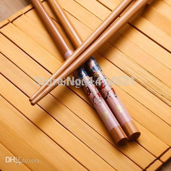 Venta al por mayor-Venta al por mayor Paquete de 10 pares 1 conjunto / 5 pares Felicidad de matrimonio chino Carácter Cubiertos de bambú Palillos Características chinas