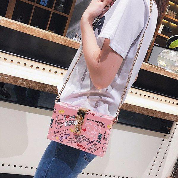 Harajuku Nette Graffiti Frauen PU Leder Schulter Messenger Bag Mädchen Print Box Lock Kleine Quadratische Tasche Chic Kette Designer Clutch