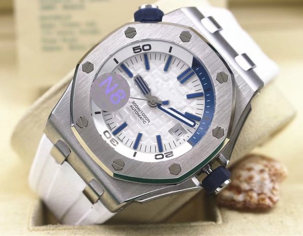 AAA Top Quality Stainless steel Mens Automatic Movement Watch Luxury Diver Men's Sport Wrist Watches White Dial And Rubber Band
