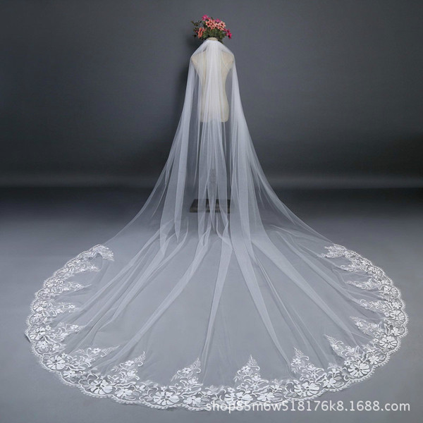 2018 Cheap In Stock 3 m*3 m Bridal Veils Lace Bridal Wedding Accessories Long Appliques Edged Cathedral Formal Wedding Veils 05
