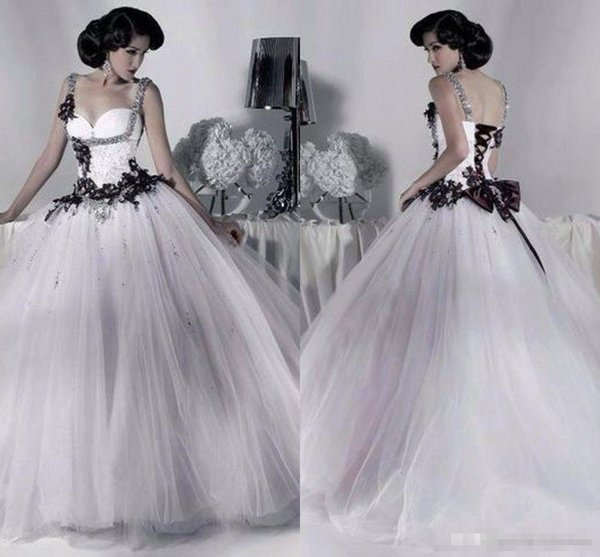 White and Black Tulle Wedding Dresses Beaded Spaghetti Strap Gothic Ball Gown Corset Halloween Bridal Party Gowns 2018 Vestidos Long Vintage