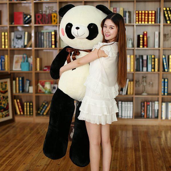 Dorimytrader Hot Animal Enorme Macio Panda Brinquedo De Pelúcia Recheado Gigante Dos Desenhos Animados Pandas Boneca Travesseiro Hug Abraço Presente 55 polegada 140 cm DY60021