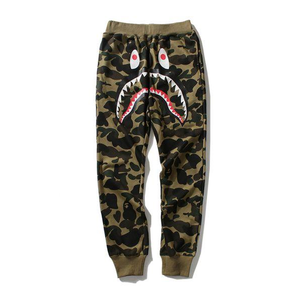 brandjacket / APE WGM Hip Hop Personalidad Boca de tiburón Impresión de camuflaje Pantalones de chándal ocasionales Hombre Hip Hop Pie Deporte Pantalones deport