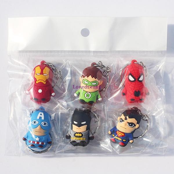 30 unids / 5 set El teléfono Llaveros Spiderman Superman Iron Man Batman Capitán América Green Lantern Mini Colgantes Juguetes de Figuras de Goma Suave