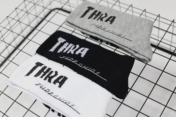 Ins Harajuku Hip-hop Letter Socks Skateboard Couples Cotton Sport Stocking Preppy Style Casual Black White Gray Classic Socks