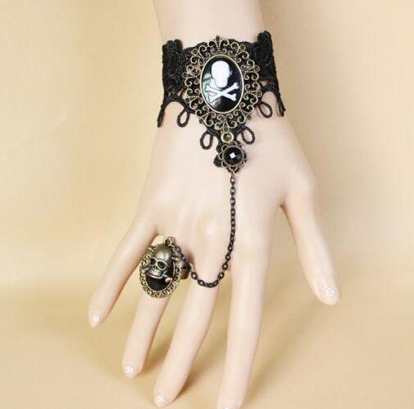 Hot new Vintage gothique dentelle noire pirate crâne main ornements avec anneau intégré chaîne mode classique élégant