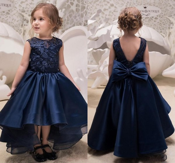 2018 Navy Blue High Low Lace Flower Girls Dresses For Weddings Jewel Neck Backless Appliques Bow Toddler Pageant Gowns Satin Kids Party Prom