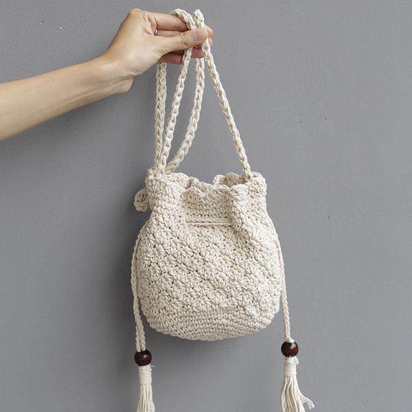 1pc 2018 New Tassel Hombro Beach Bohemian bolsa feminina Mujeres Crochet Fringed Messenger Bags Bolso con cordón Beige Crossbody bolsas