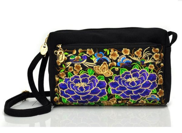 National embroidered bag Women Shoulder Travel Pouch Retro Floral Embroidered Crossbody Bag