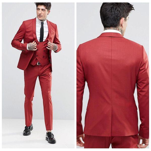 2018 Vintage Groom Red Tuxedos Scialle Risvolto con un bottone Tre tasche Abiti da sposo Estremamente cool Abiti da uomo (giacca + pantaloni + gilet)