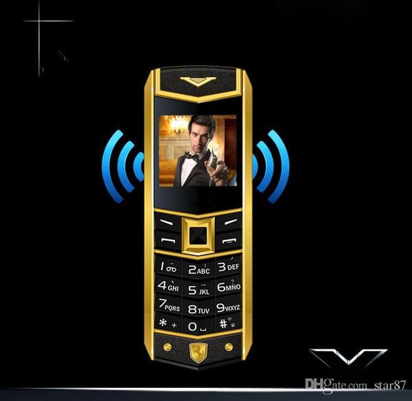 Cuero de lujo 8800 Bar Teléfono celular Teléfono celular clásico Dual Sim GSM Espera larga Cámara Bluetooth Radio Cuerpo de metal Banda cuádruple Teléfono móvil