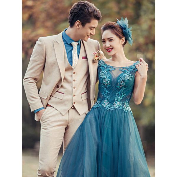 Abiti da sposa formali beige da uomo Custome Homme Smoking da smoking Terno dall'aspetto elegante Terno Slim (giacca + pantaloni + gilet)