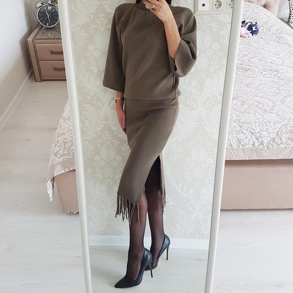 2018 Spring 2 Pieces Set Knitted Sweater Tassel Skirt Suits Elastic Waist Skirts Tracksuit Warm Pullovers Femme Outfits Mujer C18110801