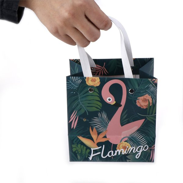 1pc new design Flamingo Sticky Bag Creative paper Candy box Gift Bags birthday baby shower Wedding party Decoration Supplies