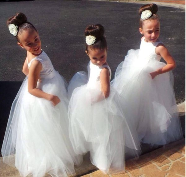 Cute Flower Girls Dresses Bateau Neck Sleeveless Satin Tulle Floor Length Backless Puffy Princess Children Birthday Party Wedding Dresses