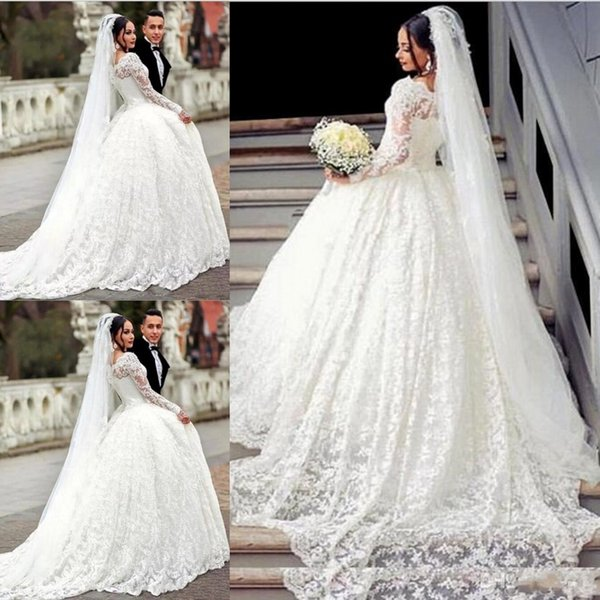 Off The Shoulder Ball Gown Lace Wedding Dresses Appliques Arabic Button Back Long Sleeve Vintage Bridal Dress For Middle East