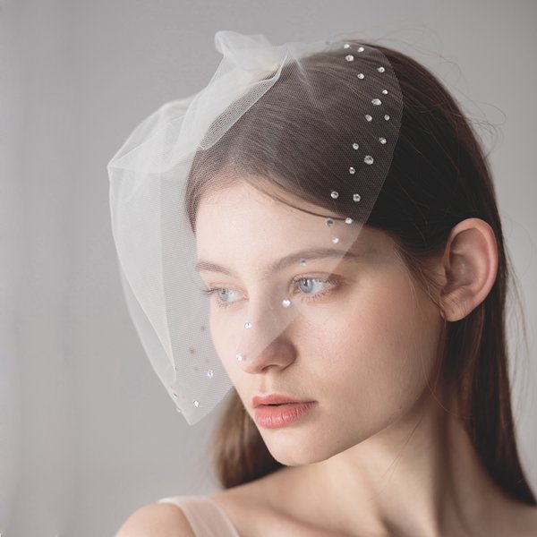 Gorgeous Blusher Veil For Summer Weddings Formal Rhinestones Bridal Short Wedding Veils With Comb CPA1619