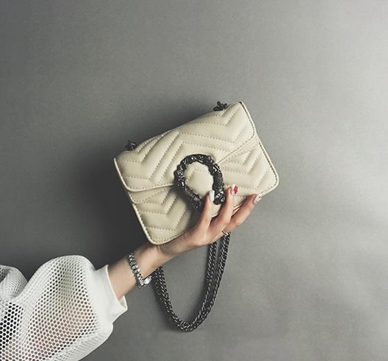 Nouvelle couleur pure femmes designer épaule bandoulière messenger petits sacs lady mode occasionnels soirée sacs à main noir / beige / vert / rose