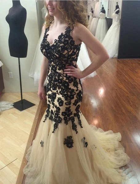 2018 Mermaid Evening Dress V Neck Tulle Applique Pleats Black Lace Beads Court Train Prom Gowns Formal Evening Gowns