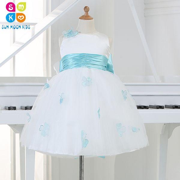 Recién nacido bebé blanco princesa vestidos de cumpleaños azul arco cinturón vestido de novia para la Navidad con la flor hecha a mano 12-24 m