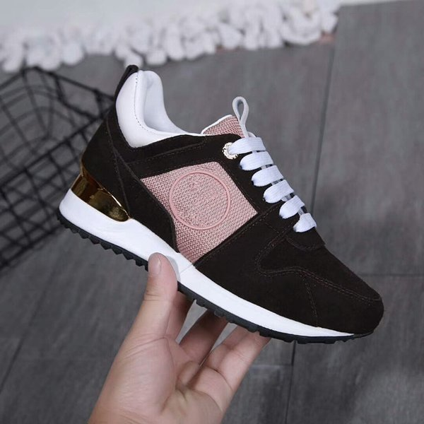 2019 Mode Paris 17FW Sneaker Triple S Triple S Casual chaussures de papa pour hommes femmes Beige Noir Ceahp Sports Designer Shoe