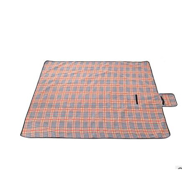 New Hot Camping Mat 3 size Foldable Outdoor Pad Picnic Mat Pad Blanket Baby Climb Plaid Blanket Waterproof Moistureproof Beach Mat