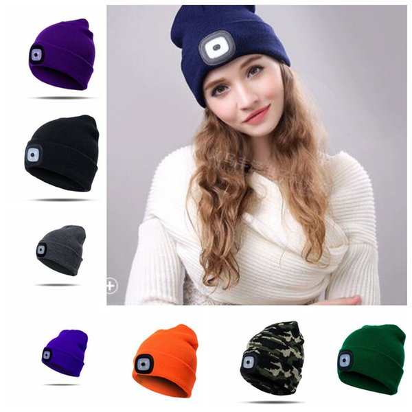 4 LED Light Beanies 17 Color Battery Type Winter Beanies Fishing Camping Cap Knitted Hat Camping Outdoor Crochet Hat Party Favor KKA5984