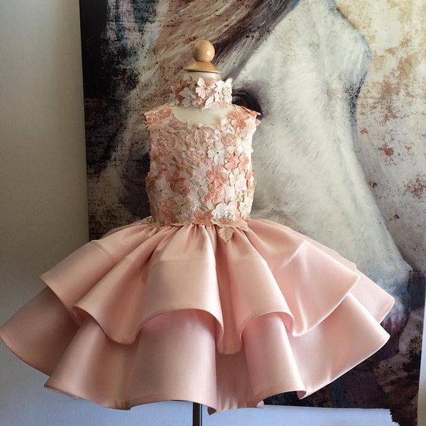 Lovely Pink Appliqued Flower Girls Dresses For Weddings Without Neckpieces Tiered Kid Pageant Dress Knee Length Satin First Communion Gowns