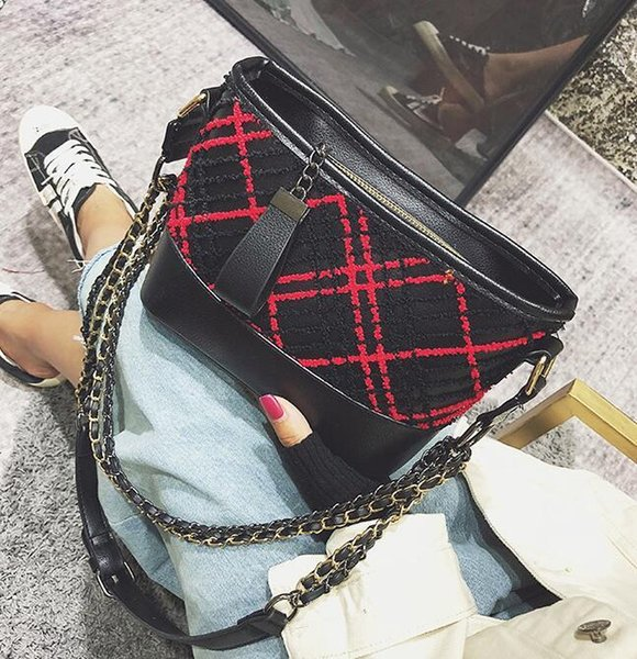 brand women bag fashion exquisite embroidery wandering bag winter new diamond chain shoulder bag classic embroidery line diamond messenger